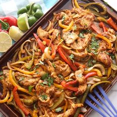 Chicken Tacos Discover Sheet Pan Chicken Fajitas Your family will love this incredible Sheet Pan Chicken Fajitas recipe that bakes in the oven! A flavorful and healthy dish thats on the table in less than 30 minutes! And cleanup is even faster! Plats Healthy, Healthy Dishes, Healthy Chicken Recipes, Mexican Food Recipes, Cooking Recipes, Cooking Chef, Oven Recipes, Cooking Okra, Cooking Herbs