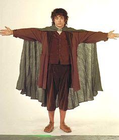 """""""frodo just wants a hug"""" lol! I VOLUNTEER!!!!"""