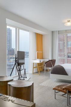 12 Best Hotels in Boston - For years, Boston lacked a stylish place, but a wave of chic properties (plus revamps of old favorites) has opened up from Back Bay to Downtown, enticing Jetsetters to check in and stay a while. Whether you're visiting for business or pleasure, these 12 best hotels in Boston measure up. #TravelDestinationsUsaBoston
