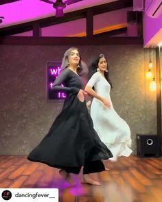 Ballet Dance Videos, Girl Dance Video, Hip Hop Dance Videos, Dance Choreography Videos, Indian Wedding Songs, Best Wedding Dance, Wedding Dance Video, Reel Dance, Simple Dance