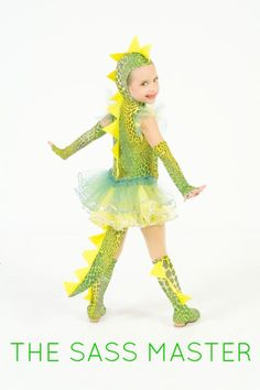 dinosaur costume - maybe Nasaria will agree to this one Dinasour Costume, Girl Dinosaur Costume, Diy Dragon Costume, Dino Costume, Baby Girl Halloween Costumes, Tutu Costumes, Dinosaur Party, Halloween 2017, Halloween Party