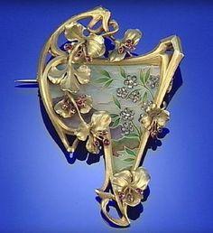 GOLD, ENAMEL, RUBY AND DIAMOND ART NOUVEAU BROOCH / PENANT, CIRCA 1900