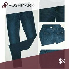 "Aeropostale ""Ashley"" Skinny Jeans 98% Cotton / 2% Spandex / Studded Accents on Front and Back Pockets / Size 7/8 Aeropostale Jeans Skinny"