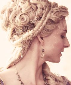 spartacus - Italiano Newest Hair Design Roman Hairstyles, Wedding Hairstyles, Grecian Hairstyles, Hair Art, My Hair, Hair Inspo, Hair Inspiration, Historical Hairstyles, Renaissance Hairstyles