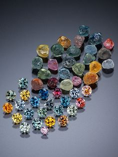 Rough and faceted sapphires from Rock Creek, Montana