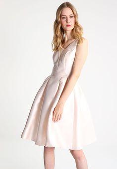 Chi Chi London CARMEN - Vestito elegante - pale pink a € 80,00 (18/04/17) Ordina senza spese di spedizione su Zalando.it