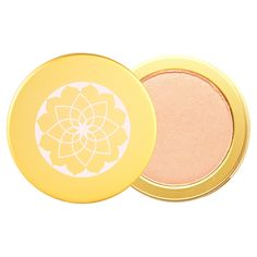 Get a sheer golden glow and highlight your skin with an incredibly modern take on the mineral powder. This pressed formula, by Pacifica, highlights and brightens skin with lotus powder and antioxidants. Give skin a beautiful radiance and look as if you are glowing from within!  100% vegan and cruelty-free.