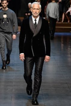 Dolce & Gabbana Fall 2015 Menswear Fashion Show Sharp Dressed Man, Well Dressed Men, Suit Fashion, Fashion Show, Mens Fashion, Fashion Trends, Milan Fashion, Outfits Casual, Mode Outfits