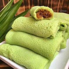 30 Resep Kue Basah Praktis dan Sederhana Indonesian Desserts, Indonesian Cuisine, Asian Desserts, Easy Desserts, Indonesian Food Traditional, Traditional Cakes, Snack Recipes, Dessert Recipes, Cooking Recipes