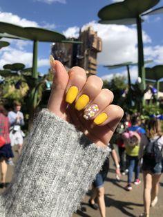 Yellow Daisy Acrylic