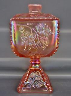 Carnival Art Glass - Fenton PANELED GRAPE Sunset Stretch Square Candy Box 4534P