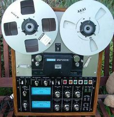 AKAI reel to reel. Nice. Remember these. My Dad had one..... - www.remix-numerisation.fr - Numérisation de bande magnétique audio - Restauration Audio