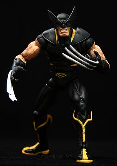 Marvel Legends Red Hulk Series Wolverine // Pinned by: Marvelicious Toys - The Marvel Universe Toy & Collectibles Podcast [ m a r v e l i c i o u s t o y s . c o m ]