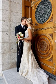 Gorgeous Classic Wedding | Pepper Nix Photography | See More! http://heyweddinglady.com/classic-vintage-blush-and-ivory-wedding-from-pepper-nix-photography/