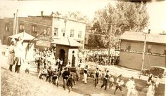 Downtown Parade late 20's at Main & College