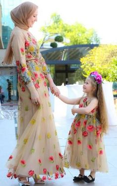 Best ideas for baby dress summer skirts Mom Daughter Matching Dresses, Mommy And Me Dresses, Mom Dress, Baby Dress, Maxi Outfits, Twin Outfits, Girl Outfits, Modest Dresses, Cute Dresses