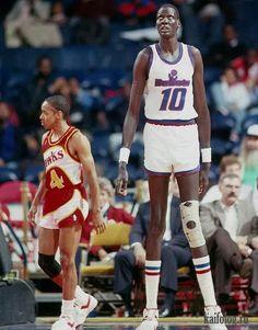 Basketball Pictures, Basketball Legends, Love And Basketball, Sports Basketball, College Basketball, Basketball Players, Basketball Jones, Nba Pictures, Celtics Basketball