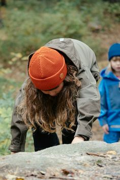 Kids outdoor adventure beanie look. Hipster hiking oufit for Kids.
