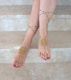 Barefoot crochet sandals. So neat!