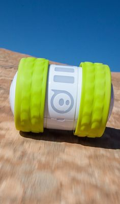 Ollie Sphero: Awesome racing robot that can travel at 14 mph and do tricks