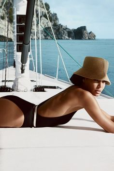 fashion editorials, shows, campaigns & more!: smooth sailing: joan smalls by patrick demarchelier for us vogue april 2013 Patrick Demarchelier, Joan Smalls, Beauty Games, V Neck Bodysuit, Vogue Us, Boat Rental, Nautical Fashion, Fashion Moda, Fashion Trends
