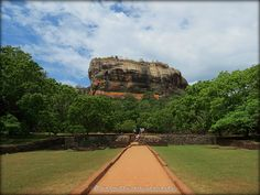 SRI LANKA - Rocher de Sigiriya  http://mistoulinetmistouline.eklablog.com/vadrouilles-a-l-etranger-p291895