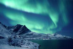 Aurora boreal en Cabo Norte, Finnmark, la Laponia noruega.