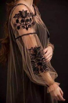 Black velvet embroidered blouse with black roses velvet cool boho blouse Robe fashion fashion summer fashion winter outfits Kleidung Fashion Details, Look Fashion, Womens Fashion, Fashion Design, Face Fashion, Runway Fashion, Floral Fashion, Fashion Black, Gothic Fashion