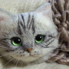WEBSTA @ ysyunmana - アメショシルバーのブローチ♪今夜か明日には出品予定です。#羊毛フェルト #needlefelt…
