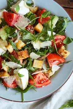 Caprese Salad, Italian Recipes, Food, Italian Style Kitchens, Italian Bread Salad, Italian Dishes, Grill Party, Meal, Eten