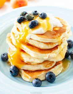 Placki twarogowe Kefir Recipes, Healthy Recipes, Kitchen Magic, Food Hacks, Cake Recipes, Pancakes, Food Porn, Brunch, Food And Drink