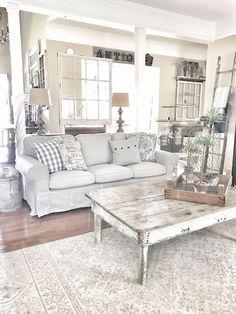 Cozy rustic farmhouse living room decor ideas (5)