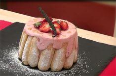Une charlotte aux fraises version charlotte à la mousse de fraises, une version bien plus légère et bien plus gourmandes ! Une recette inratable et 100% facile.