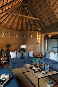 South African Homes, African House, Round House Plans, Home Interior Design, Interior Decorating, Garden Cabins, African Interior, Lodge Decor, House Roof