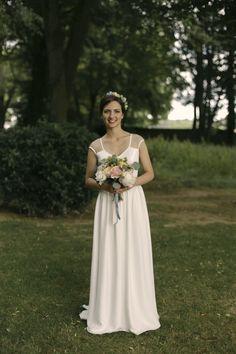 Maylis porte l'une de nos créations Mademoiselle de Guise  Crédit photo : Alice Lemarin Photographe