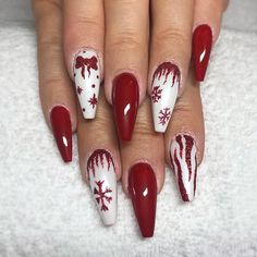 18 Red Nails Designs for Any Occasion ★ Christmas Red Nails for a Holiday Party Picture 4 ★ See more: http://glaminati.com/red-nails-designs/ #rednails #rednaildesigns