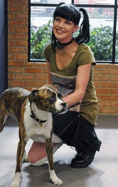 Pauley Perrette as Abby with a dog | NCIS