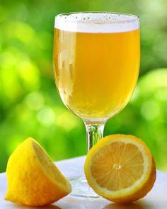 10 Beer Drinks & Cocktails for Every Taste Cocktail Drinks, Alcoholic Drinks, Beverages, Cocktails, Quick Recipes, Healthy Recipes, Savoury Recipes, Radler Beer, Lemon Wedge