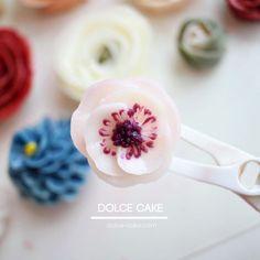 Mini Anemone . . #flowercake#flower#cupcake#baking#weddingcake#wedding#케이크#베이킹#플라워케이크#버터크림플라워케이크#bakingclass#cupcakes#freesia#cupcake#roses#컵케이크#rose#bouquet#fiore#torta#buttercream#buttercreamflowercake#koreanflowercake#koreanbuttercreamflowercake#韓式唧花#韓式擠花#鮮花蛋糕#bakingclass