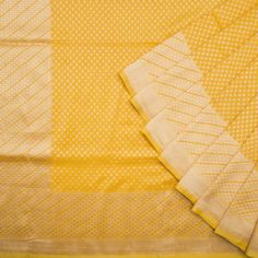 There is something about yellow! lovely but difficult to get right. This one nails it! Shivangi Kasliwaal Handwoven Benarasi Silk Sari 1015092 - Parisera