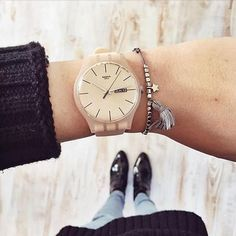 Back to basics with the #corecollection. #swatch ROSE REBEL #wotd #swtachwatch #watchesofinstagram #covetme