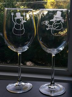 Etched Snowman Wine Glass Set | Snowman Stickup | Christmas Gift | Friend Gift | Fun Wine Glasses