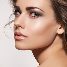 How to Choose the Right Foundation Coverage   MUA Tips: How to Apply All Natural Foundation, check it out at http://makeuptutorials.com/all-natural-foundation-makeup/