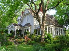 I love old houses. When we buy a house someday, I want something like this...