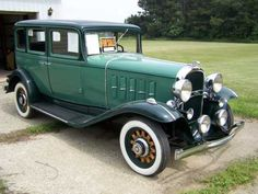 1932 Oldsmobile F43 4-Door Sedan