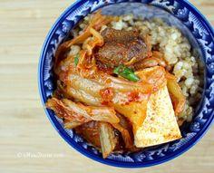Easy peasy kimchi jjigae  || http://chowdivine.com/easy-peasy-kimchi-jjigae-kimchi-stew/