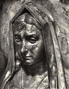A close-up of the tomb effigy of Elizabeth of York; photo taken from a Westminster Abbey souvenir booklet.