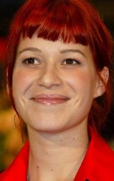 franka-potente red bangs