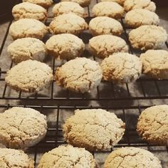 Almond Cookies (Gluten-Free, Dairy-Free, Vegan and Paleo Friendly) 6 Cookies