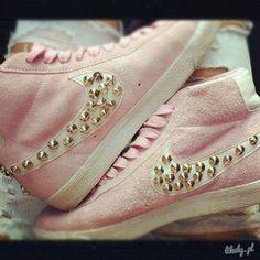 Imagem de nike, pink, and shoes